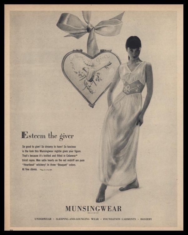 1947 Munsingwear Nightie Vintage Ad